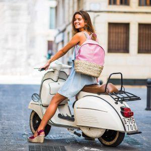 Bolso mochila de mujer en piel rosa